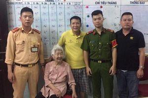 CSGT Hà Nội giúp cụ già bị lạc về đoàn tụ với gia đình
