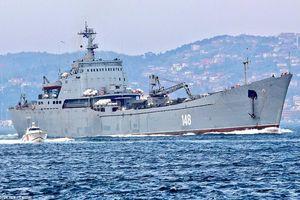 Tàu chiến Nga chở đầy khí tài tiến về Syria