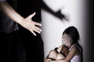 Nghi án dâm ô với 9 học sinh, thầy giáo bị tạm giữ để điều tra