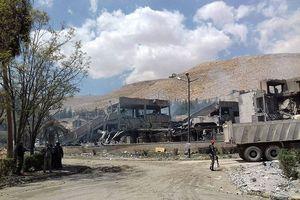 76 tên lửa Mỹ-Anh-Pháp ồ ạt phá hủy... trung tâm bỏ hoang của Syria