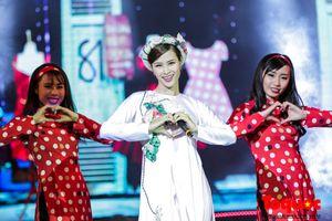 Đông Nhi diện áo dài khoe vũ đạo tuyệt đẹp khi thể hiện 'Cô Ba Sài Gòn'