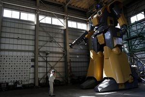 Kỹ sư người Nhật biến giấc mơ robot khổng lồ thành hiện thực