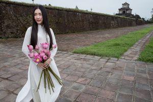 'Nàng thơ xứ Huế' Ngọc Trân khoe vẻ đẹp ngọt ngào với 4 bộ áo dài