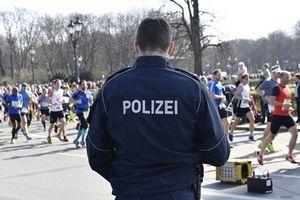 Cảnh sát Đức tăng cường tuần tra kiểm soát