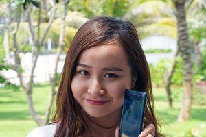 Trên tay 'siêu phẩm' Xperia XZ2, giá 19.990.000 đồng