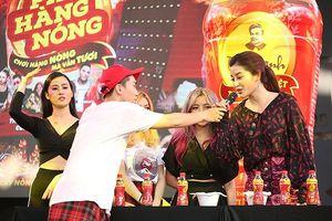Sao Vpop khuấy động lễ hội thử thách ăn đồ cay nóng