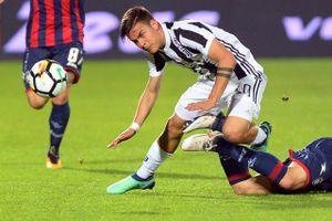 Bị đội yếu cầm hòa, Juventus sắp bị Napoli bắt kịp