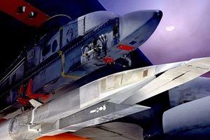 Mỹ chi gần 1 tỷ USD gấp rút phát triển vũ khí siêu thanh
