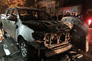 Xe Ford Ranger bùng cháy trong đêm chỉ mới lưu hành được gần 9 tháng