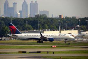 Mỹ: Lại có máy bay phải hạ cánh khẩn cấp vì sự cố động cơ
