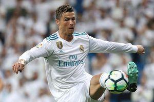 Ronaldo trên đường thành cầu thủ hay nhất thế kỷ 21