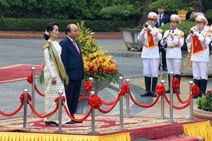 Hình ảnh lễ đón bà Aung San Suu Kyi thăm chính thức Việt Nam