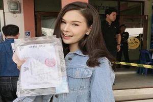 Dân mạng truy tìm cô nàng chuyển giới siêu xinh của Thái Lan