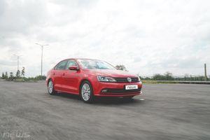 Volkswagen Jetta giảm giá tới 100 triệu đồng