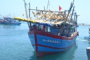 Ngư dân Lý Sơn bị xua đuổi cướp tài sản ở Hoàng Sa