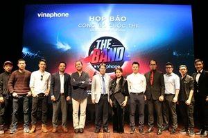 Nghệ sỹ Trần Ly Ly 'tỏ tình' với trai lạ trên sân khấu The Band by Vinaphone