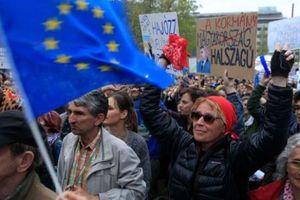 Người dân Hungary phản đối Thủ tướng tái đắc cử