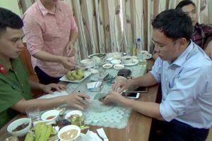 Xét xử cựu nhà báo Lê Duy Phong cưỡng đoạt tài sản tại Yên Bái