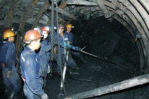 Bảo đảm an toàn lao động trong hoạt động khai thác than