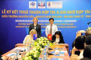 Ký kết thỏa thuận hợp tác giữa Trường Nguyễn Siêu - Đại học Massey (New Zealand)