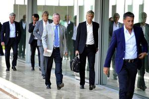 Sir Alex: 'Wenger là một trong những HLV vĩ đại nhất'