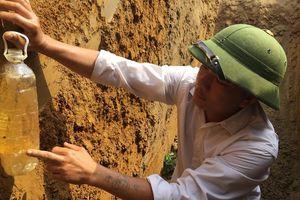 Hà Tĩnh: Phát hiện dầu diesel rò rỉ chảy theo mạch nước ngầm