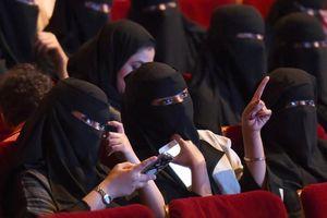 Vì sao Saudi Arabia mở lại rạp chiếu phim?