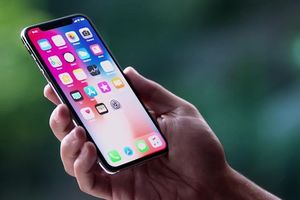 iPhone X chất đầy kho, 'kẻ ngạo mạn' Tim Cook đã hết phép?