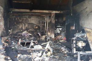 Cháy cửa hàng điện lạnh ở Nam Định, 3 mẹ con tử vong