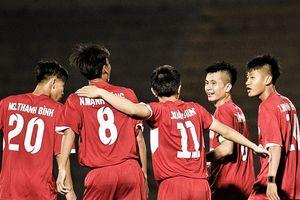 Pha móc bóng của Mạnh Dũng làm tung lưới U19 Hàn Quốc
