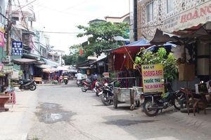 Truy bắt nghi can bịt mặt cướp dây chuyền giữa chợ