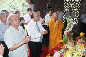 Thủ tướng dâng hương tưởng nhớ Tổng đốc Hoàng Diệu