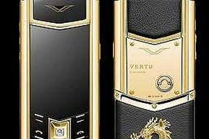 Thủ kho Cơ quan thi hành án mang 'cắm' điện thoại Vertu
