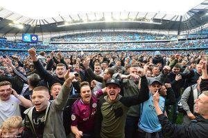 CĐV Man City 'quẩy' nhiệt mừng vô địch sớm
