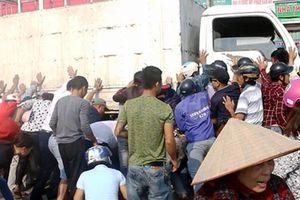 Tin tức tai nạn giao thông nóng nhất 24h: Bị xử phạt, nam thanh niên bất ngờ tự đốt xe