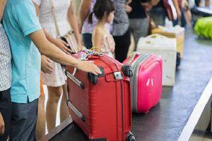 Để cho vali luôn xuất hiện đầu tiên trên băng chuyền, bạn nên có bí quyết gì?