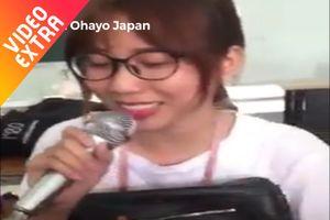 Bạn trẻ hát nhạc hoạt hình Nhật với biểu cảm 'thần thái'