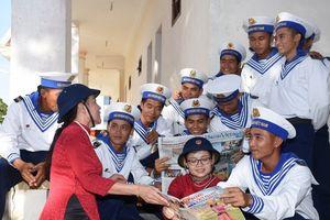Hội LHPN Việt Nam kết thúc chuyến thăm, làm việc ở Trường Sa
