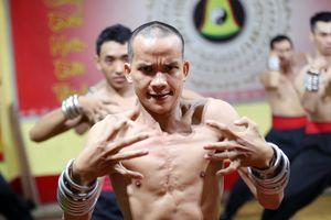 Đệ tử Nam Huỳnh Đạo đối luyện, biểu diễn công phu dị biệt