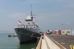 Tàu khu trục RSS INTREPID-Hải quân Singapore đã đến Đà Nẵng