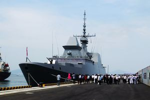 Tàu Hải quân Singapore thăm xã giao Đà Nẵng