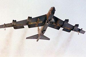 Hai siêu pháo đài B-52 của Mỹ áp sát bờ biển Quảng Đông