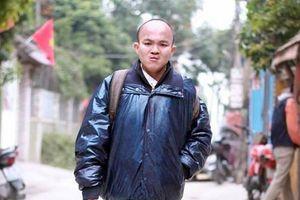 Chàng trai tật nguyền đi bộ xuyên Việt