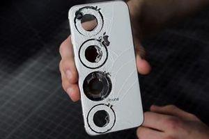 'Xẻ thịt' iPhone 8 chế tác nhẫn nghìn đô