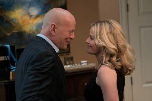Gay cấn đến từng phút trong bom tấn mới của 'ông hoàng' phim hành động Bruce Willis