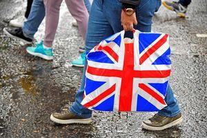 Hơn 40 công ty cam kết cắt giảm ô nhiễm nhựa ở Anh