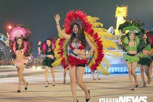 Đêm Carnaval 'nóng bỏng' và bừng sáng thành phố du lịch Hạ Long