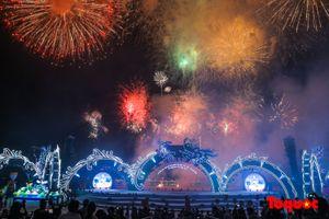 Ngắm nhìn màn bắn pháo vô cùng mãn nhãn tại đêm Carnaval Hạ Long 2018
