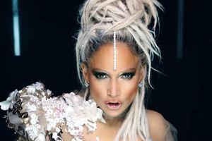 Jennifer Lopez chứng tỏ hình ảnh gợi cảm dù gần 50 tuổi trong MV mới