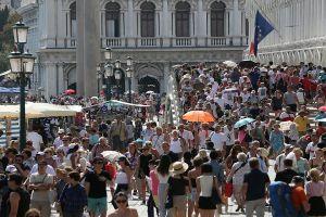 Phố cổ Venice đương đầu với làn sóng du khách trong Lễ Lao động và mùa hè này
